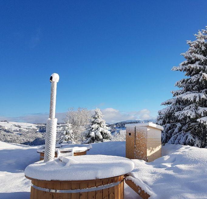 TSL raquettes neige village tipi la feclaz