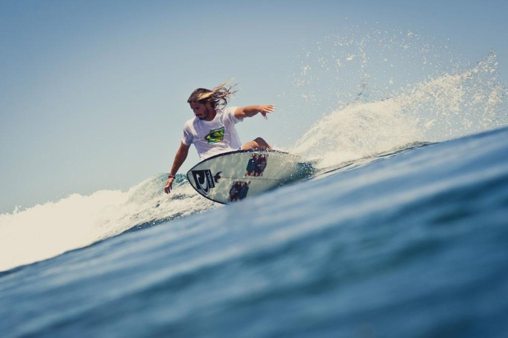 AMBASSADEUR Picture Damien Castera athlète surf