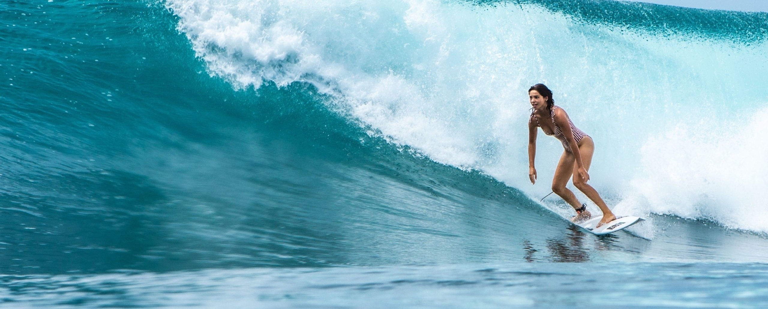 AMBASSADEUR COVER SURF Athlète Juliette Lacome ROXY