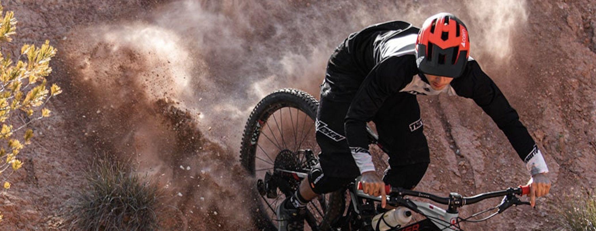 VTT Vélo DH Down hill Cairn Cover marque