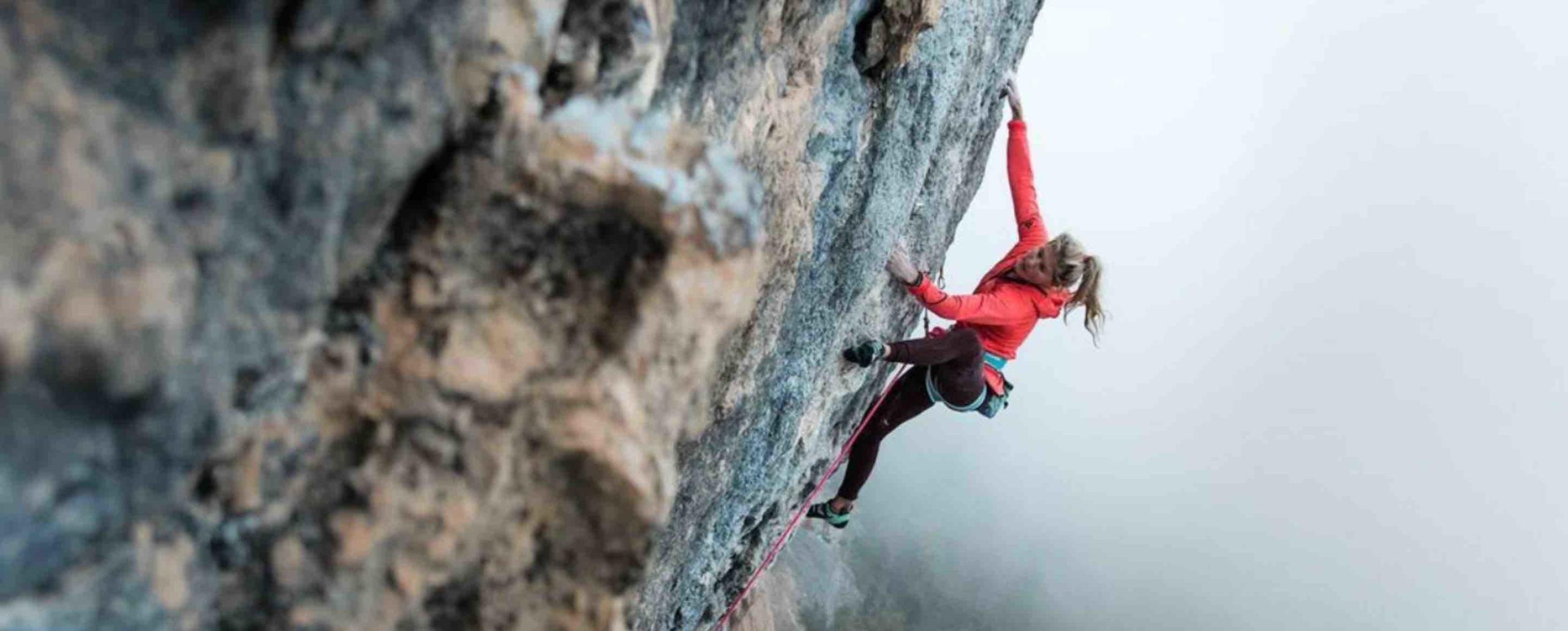 AMBASSADEUR COVER ESCALADE grimpe athlète Svana Bjarnason Escalade Grimpe Looking for Wild athlète