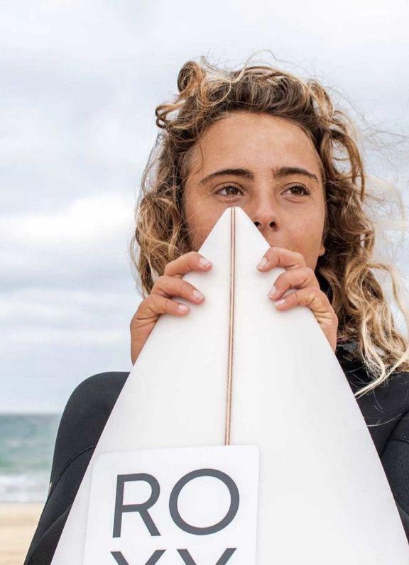 Athlète Lilya Ambert Roxy Surf