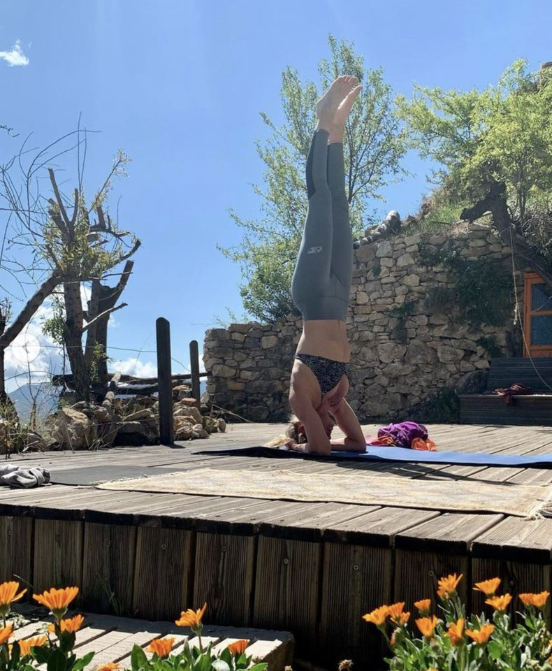 Top Yoga Svana Bjarnason Looking for wild